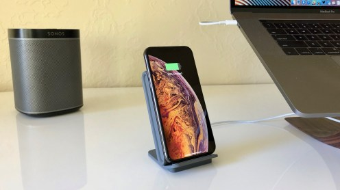 iottie-ion-wireless-stand-charger-3
