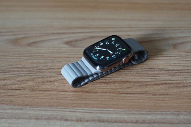 Apple Watch Series 4 18