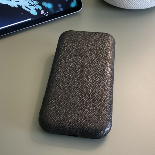 Courant Carry premium iPhone portable wireless charger front