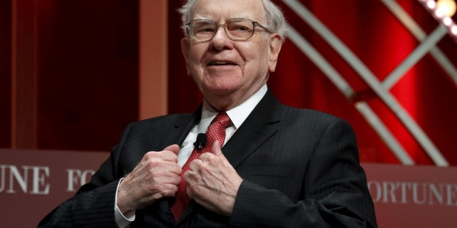 Warren Buffett says Tim Cook spent 'hours' teaching him how to use ...