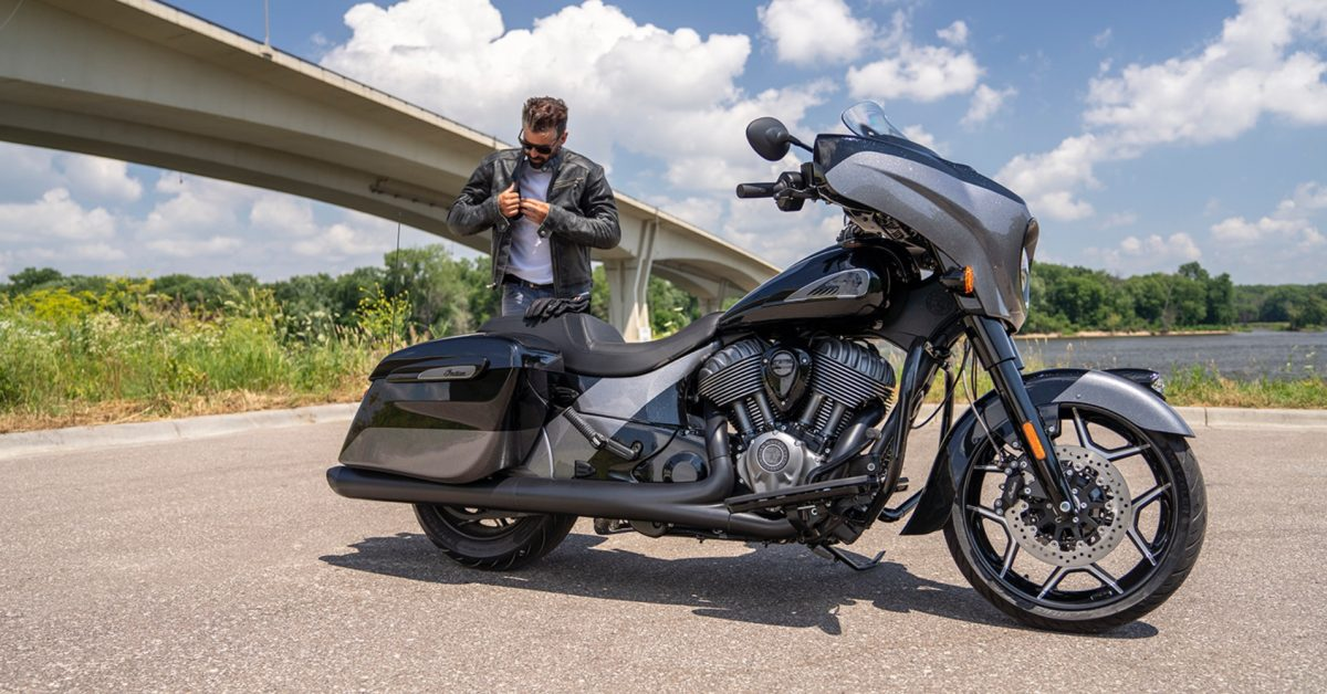 photo of CarPlay on a motorbike? Indian Motorcycle touts 7-inch display for Apple's iPhone infotainment feature image