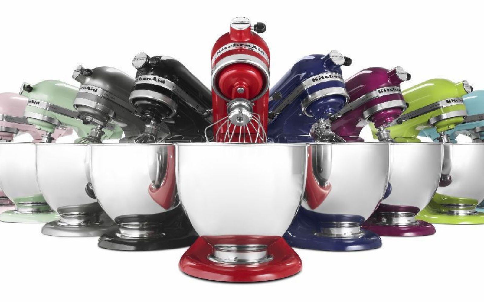 Below we compare and contrast the mid-level Artisan and the professional-level series of stand mixers by KitchenAid under 3 sub-topics. Comparison of the KitchenAid Professional .