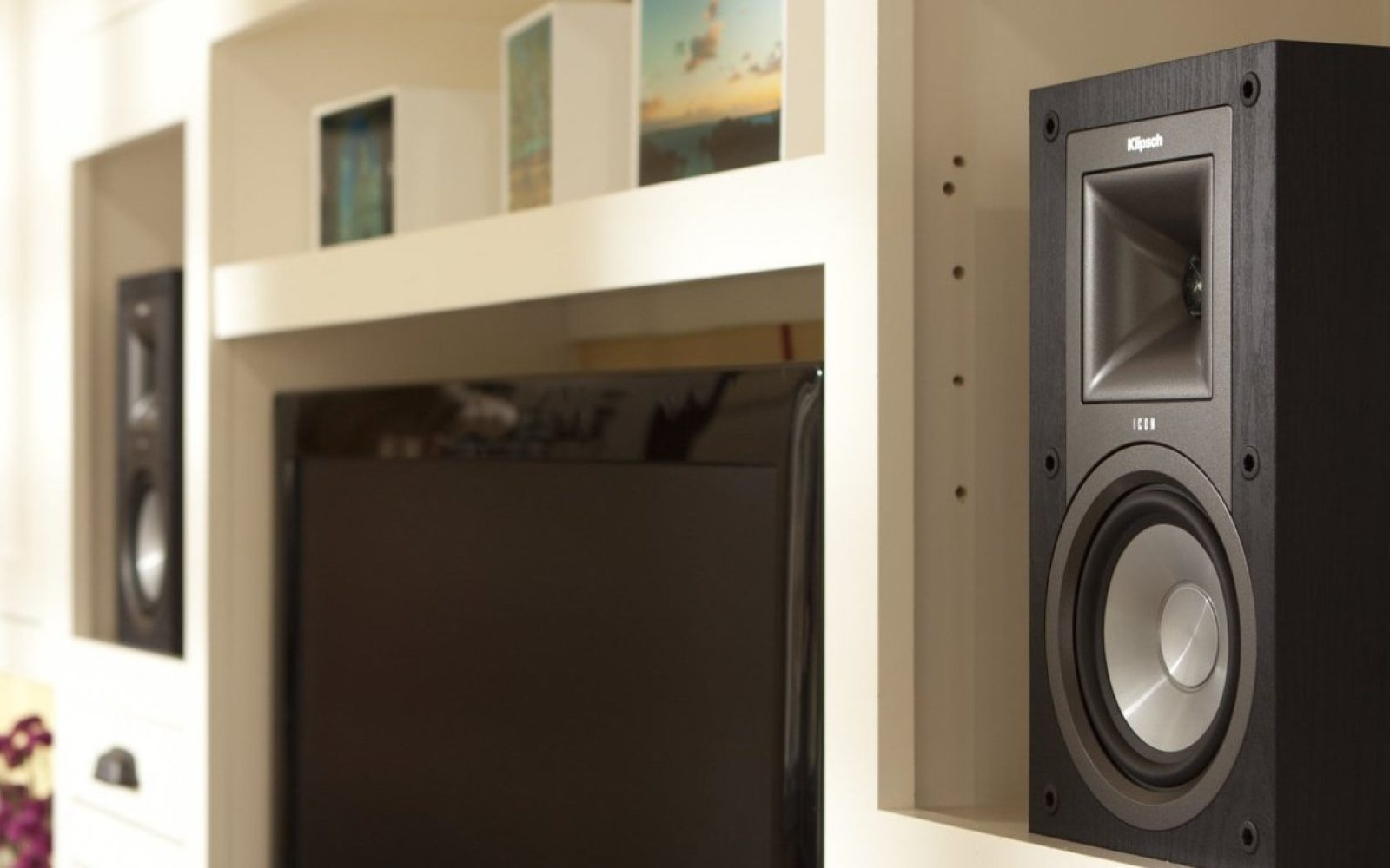 Bookshelf speakers: Klipsch Icon 5-inch powered $100 (Reg  $164+)