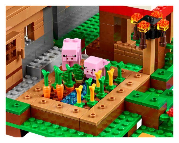 LEGO-21128-Minecraft-The-Village-Veggie-Patch-1024x817