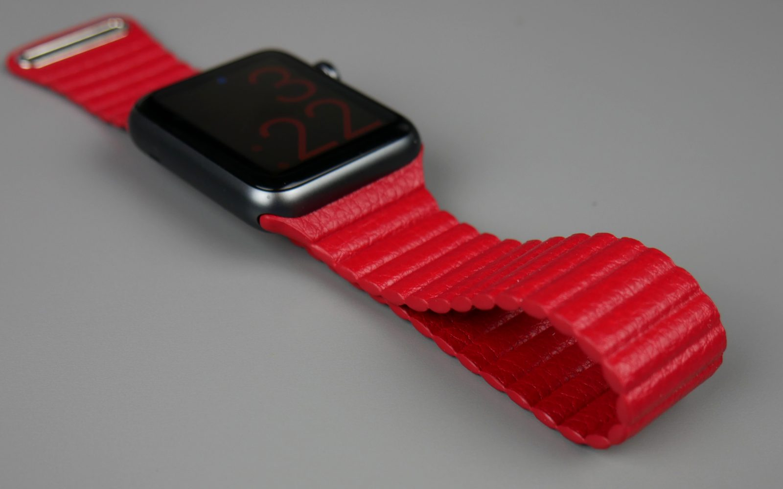 Review: At just $24, this Leather Loop Band for Apple Watch looks