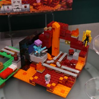 lego-minecraft-3