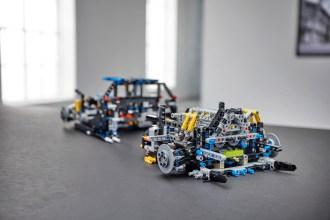 lego-technic-Bugatti-Chiron-12