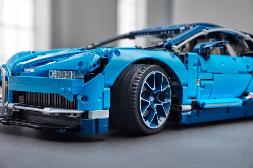 lego-technic-Bugatti-Chiron-14