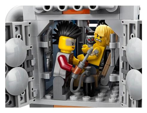 lego-Welcome-to-Apocalypseburg-7
