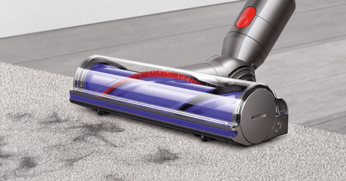 Score a refurb cordless Dyson V7 Stick Vac with charging dock for $160 (Reg. $300+) - 9to5Toys