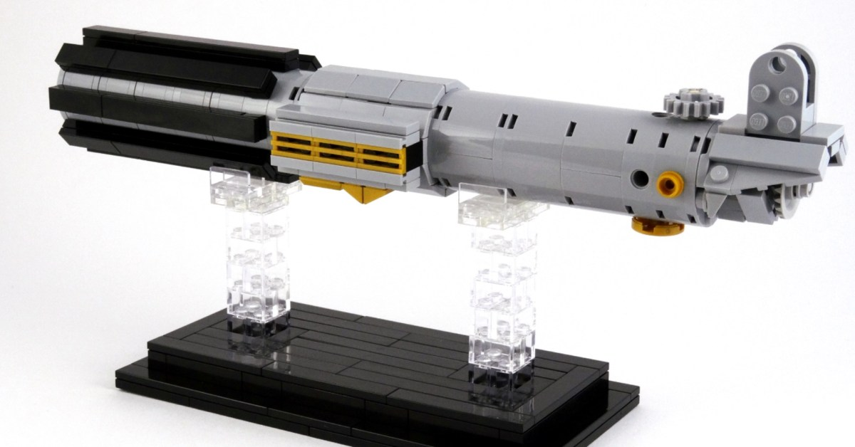 LEGO Luke's Lightsaber arriving as gift with purchase later this year