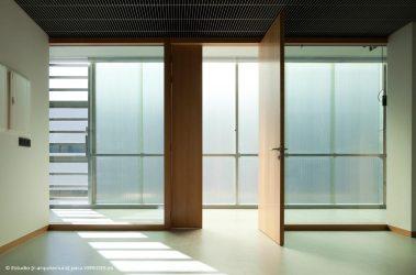 07-interior-oficina-orientación-SO-_-RODRIGO-ALMONACID-c-r-arquitectura