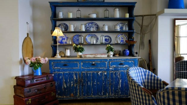 Decorating your home on a budget with furniture...