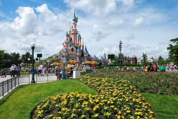 ¿Cuántas atracciones hay en Disneyland Paris? || 2019 🏰