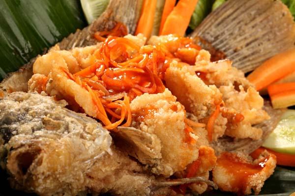 , Resep Cara Memasak Ikan Gurame Asam Manis Yang Sangat Menggiyurkan