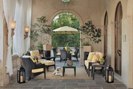grand patio entertaining area