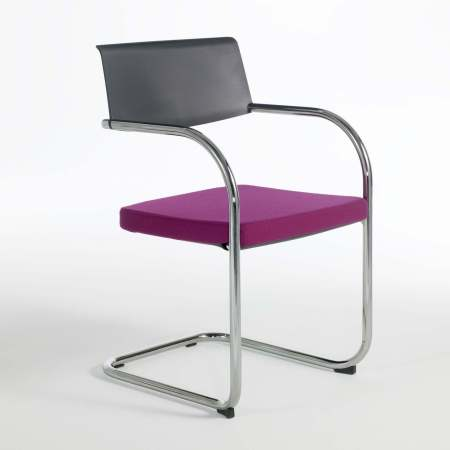 MOMENT CHAIR by KNOLL
