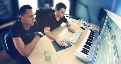Hardwell and Tiesto producing 'Colors' at Hardwell's home studio.
