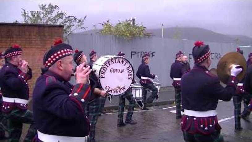 Govan Protestant Boys FB (Scotland) @ Sandy Row Remembrance Sunday Parade 2015