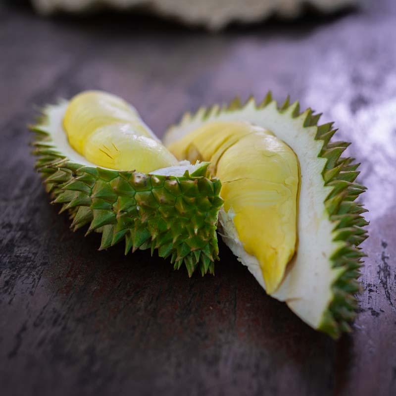 Дуриан - король среди фруктов. Дуриан в разрезе. Как едят дуриан