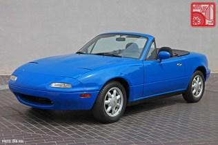 38-6410_Mazda MX5 Miata_Chicago Auto Show blue 01