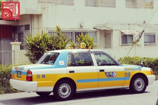 4144_Toyota Crown Comfort taxi
