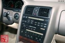 045_LexusLS400-console
