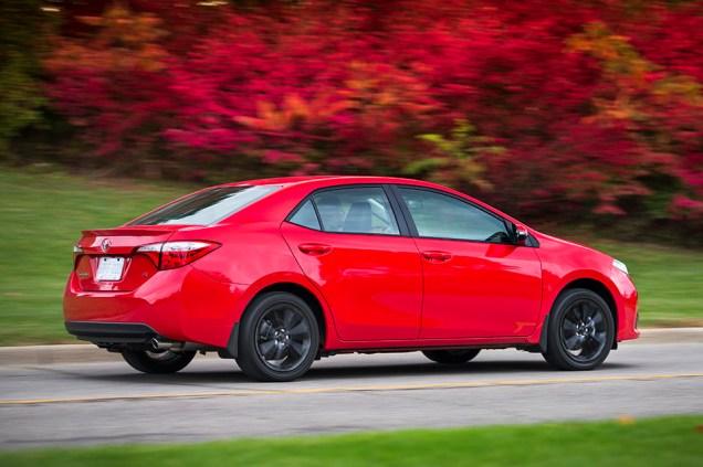 2015 Toyota Corolla 50th Anniversary 02
