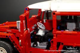 Lego Toyota Land Cruiser FJ40 08