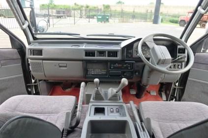 1989-Mitsubishi-Delica-Interior-Front