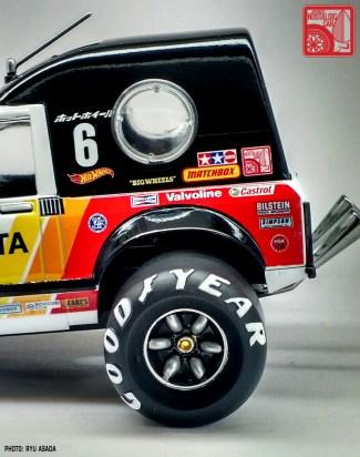 12_Sunny BinBan Toyota Hilux kit by Ryu Asada