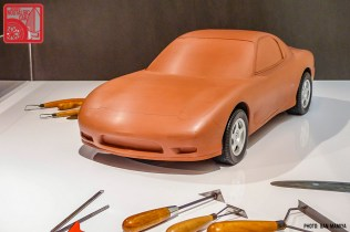 073SM-P2020469w_Mazda RX7 FD3S clay model
