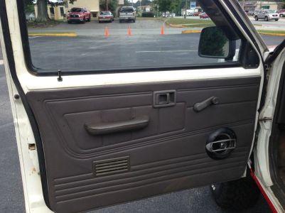 Nissan D21 Pickup Desert Runner door