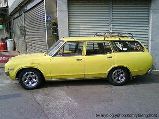 YueLoong YLN-753 Datsun 620 Wagon 03