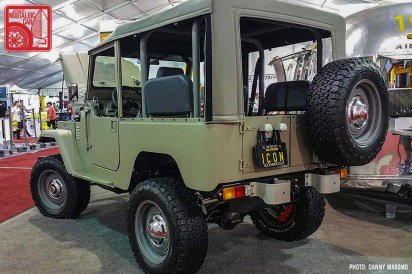 217b-DM8586_Toyota Land Cruiser FJ40 Icon