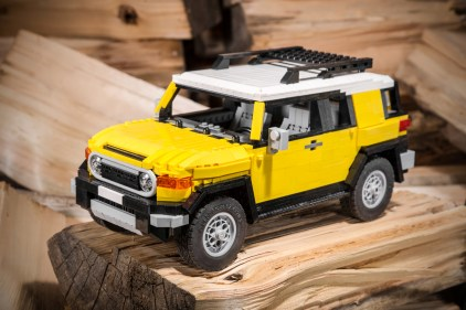 Lego Toyota FJ Cruiser by Pēteris Sproģis 01