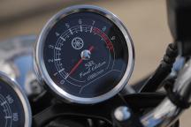 YamahaSR400FinalEditionLimited gauge