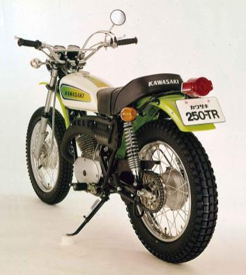 Kawasaki250TRBison 1970-F8 03