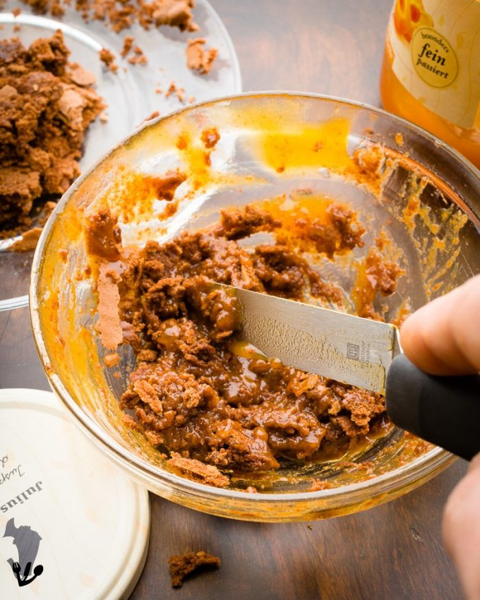 Mix any leftover crumbs, bits and pieces of the cake with some of the apricot jam to form a mortar to plug the occasional inevitable holes in the Sacher cake.