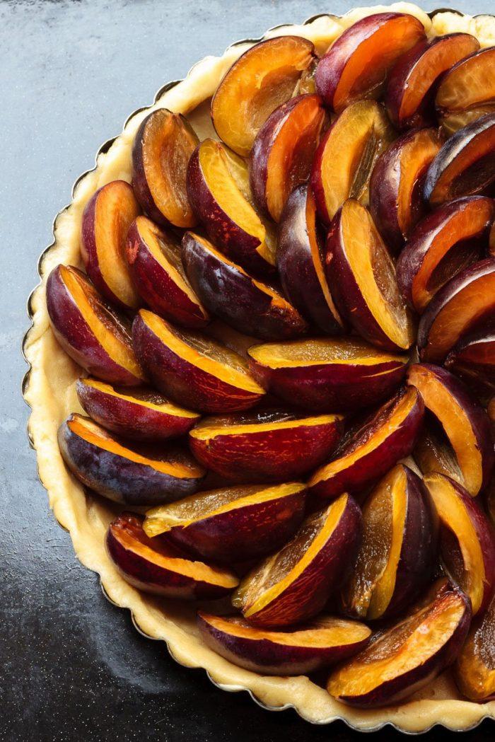Arranging the best Zwetschken plums you can get, the Hauszwetschke.