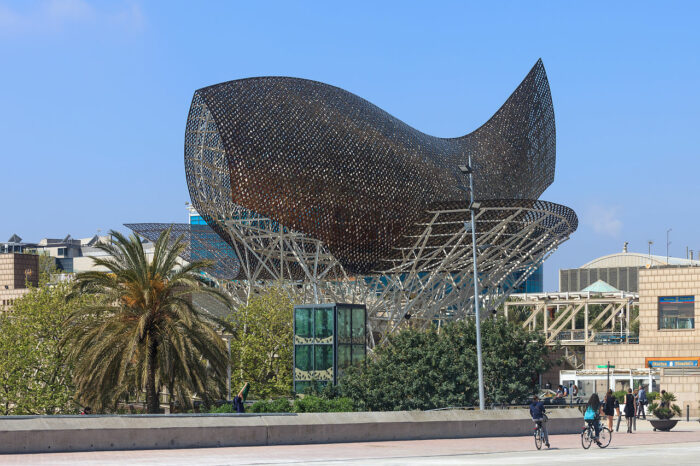 Photo by Luis Miguel Bugallo Sánchez (Lmbuga) 2014 - Sculpture by Frank O. Gehry in the shape of fish. Area of the Olympic Village of Barcelona, Catalonia