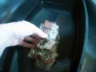 Ұнтақталған перитонеумды жылы суға шайыңыз