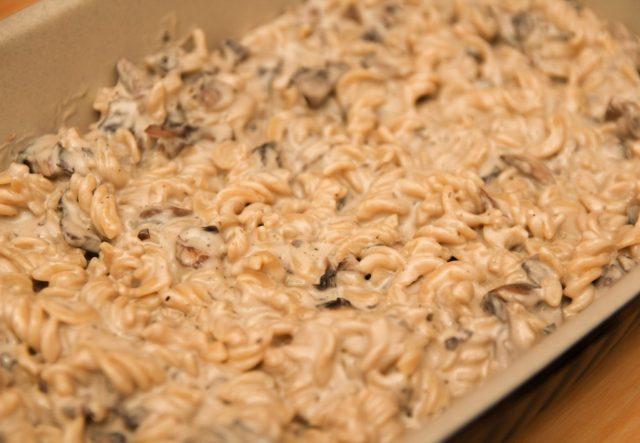 Healthy Cheesy Mushroom Pasta Bake with Crumble Topping #Healthy #Glutenfree #Dairyfree #Vegan #Vegetables