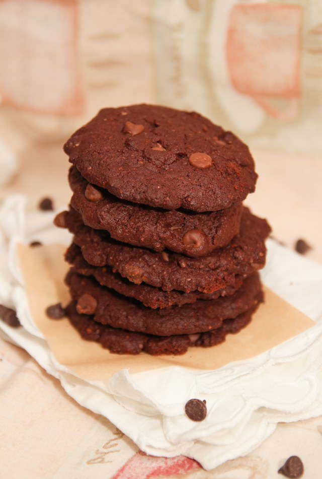 Healthier Dark Chocolate Cookies #healthy #chocolate #glutenfree #cookies #remembrance