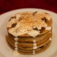 Healthy Mince Pie Pancakes - Use up leftover mincemeat after Christmas