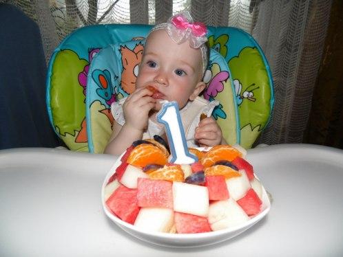 день рождение годик торт из фруктов