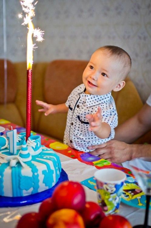 день рождения 1 годик какую свечку