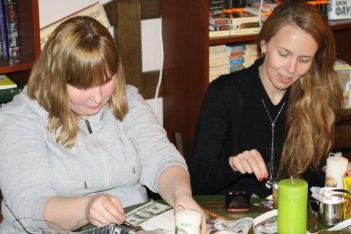 Мамина школа MamaClub.ru мастер-класс Юля Чиркова в кафе книги и кофе