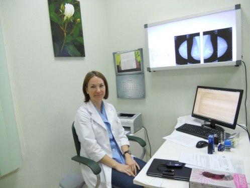 белая роза мамолог