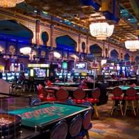 Dress code of celebrities in the casinos